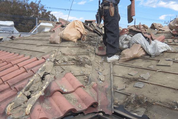 屋根の劣化が進んでいるときは葺き替えをおススメしています