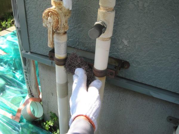 広島県広島市 外壁塗装 鉄部ケレン作業の写真