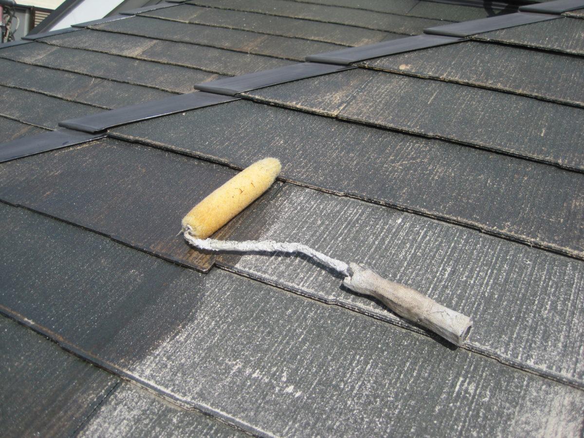 広島県東広島市 屋根塗装 下地処理剤塗布の画像